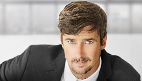 پنج مدل مو برای آقایان پیشانی بلند