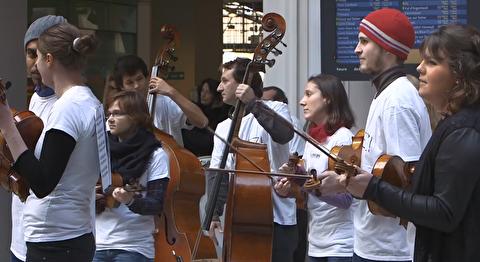 اجرای خیابانی بولرو توسط ارکستر ملی فرانسه