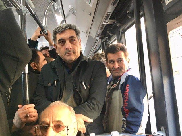 شهردار تهران این بار با مترو به محل کار رفت