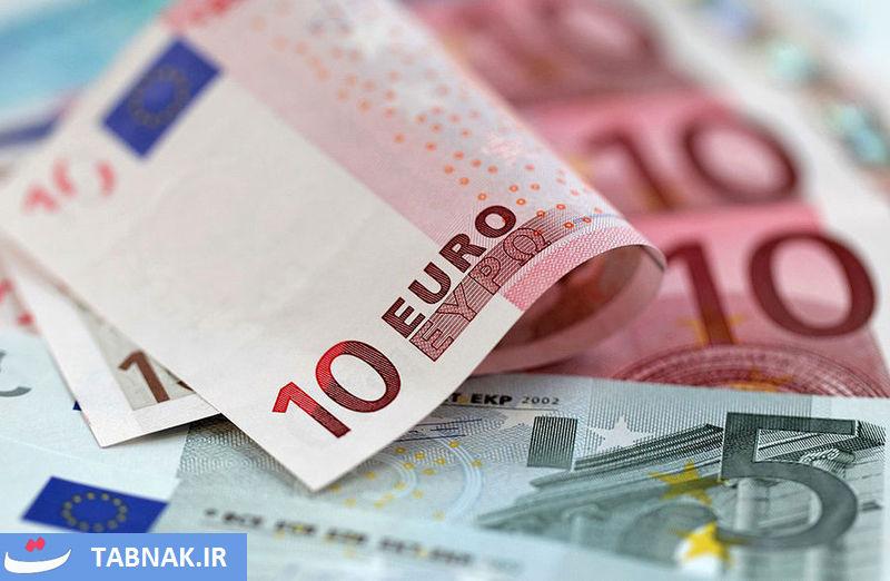 عقب نشینی دلار و یورو در آخرین روز هفته/ قیمت یورو ۲۰۰ تومان کاهش یافت