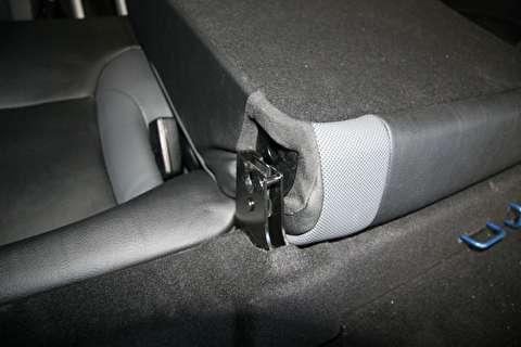روش باز کردن صندلی عقب تاشو و پشتی صندلی عقب خودرو