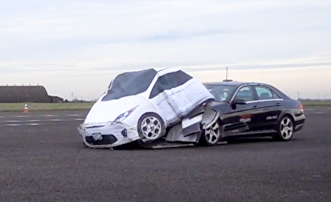 امتحان امنیت خودروها با این خودروی ساختگی