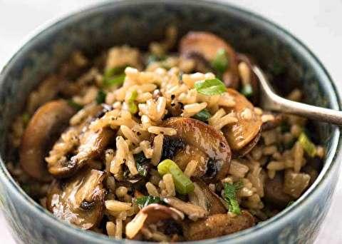 دستور پخت برنج با قارچ سرخ شده