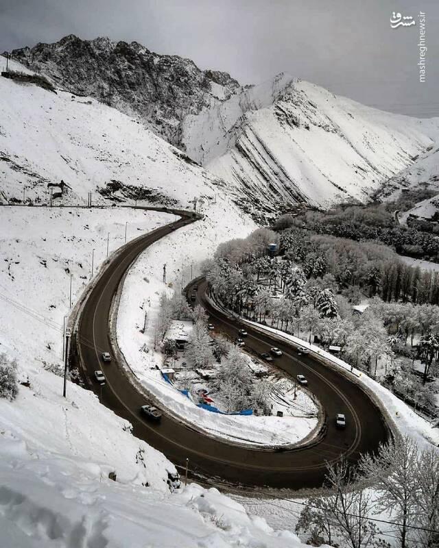 نمایی زیبا از جاده چالوس در زمستان
