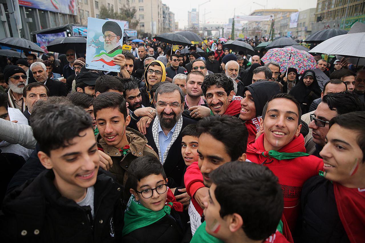 چند نسل خندان در راهپیمایی امروز!