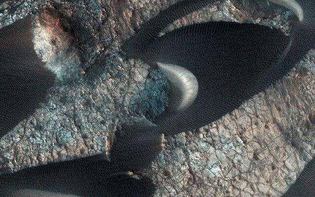 تصاویر تازه منتشر شده از تپههای ماسهای مریخ