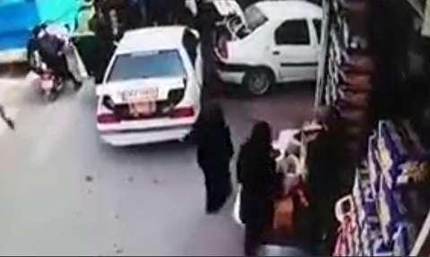 له شدن یک زن و مرد زیر خودرو با خطای کودک