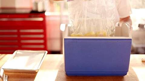 روش کیسهپز کردن غذا در سردکن