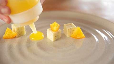 طرز تهیه ژله مایع و روان پرتغال تازه
