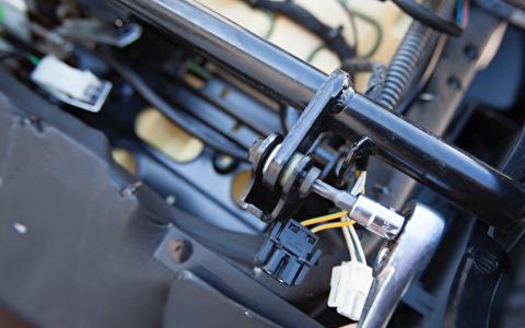 روش تعمیر صندلی برقی خودرو