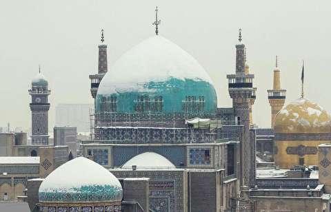 بارش برف در حرم علی بن موسی الرضا (ع)