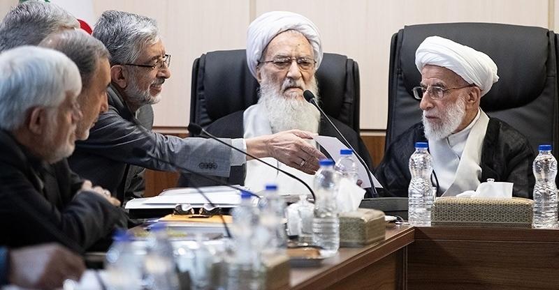 غیبت روحانی، لاریجانی و ۹ عضو مجمع در جلسه پالرمو