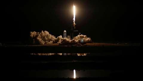 پرتاب موشک فالکون 9 و الحاق دراگون