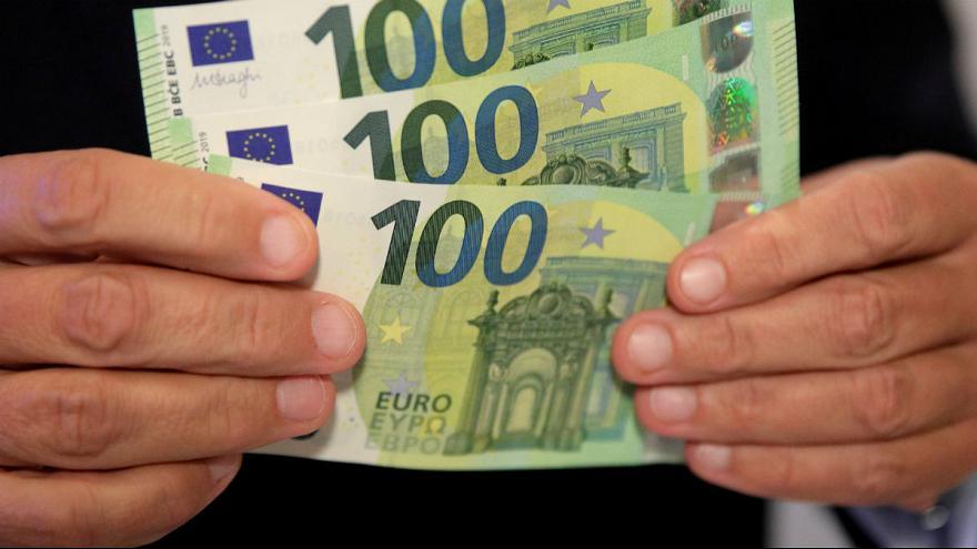 دلار در صرافی بانکی ۱۲۸۵۰ تومان قیمت خورد/ سیگنال مثبت دلار از سفر روحانی به عراق
