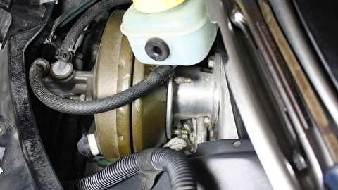 روش باز کردن سیلندر اصلی کلاچ خودرو
