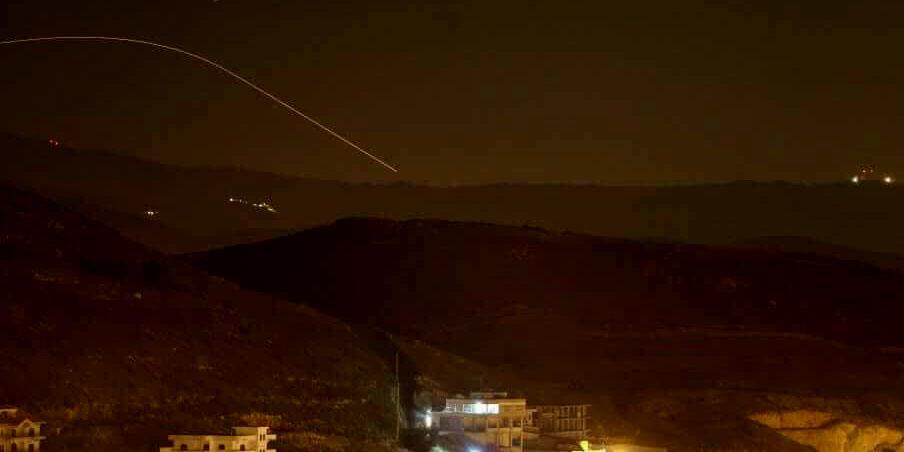 شلیک بیش از 20 موشک به مواضع رژیم اسرائیل / عبور شماری از موشکها از گنبد آهنین / تبادل آتش و بمباران مناطقی از سوریه +فیلم
