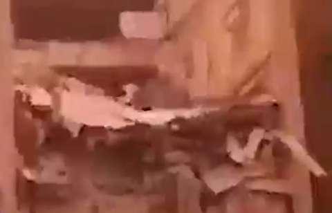 نخستین تصاویر ریزش ساختمان در اهواز