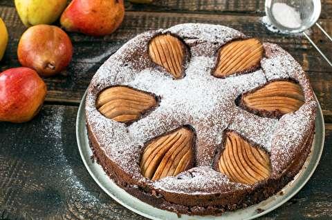 کیک گلابی و شکلات