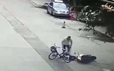 حمله مردی با ساطور به یک زن