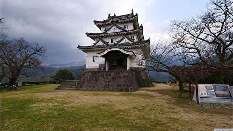 قلعه اواجیما از نمای نزدیک