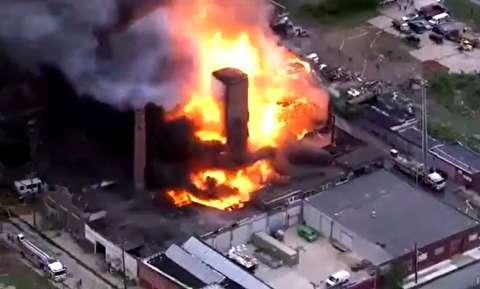 از بین رفتن یک ساختمان در آتش