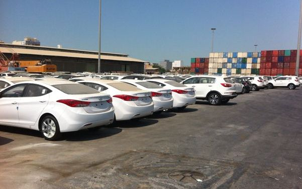 «قیمت نجومی» خودروهای خارجی از کجا آب میخورد؟! + مقایسه نرخها/ دولت بازار را «ول» کرده؛ عدهای سوءاستفاده میکنند