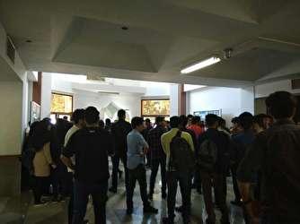 تحصن دانشجویان صنعتی شاهرود در برابر دفتر رئیس دانشگاه