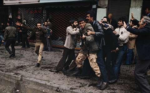 تهران در کنترل انقلابیون