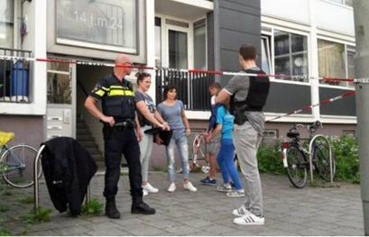 حمله با تبر به نیروهای پلیس هلند