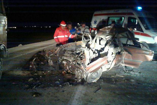 ترکیدن لاستیک کامیونی در فارس ۴ کشته داد