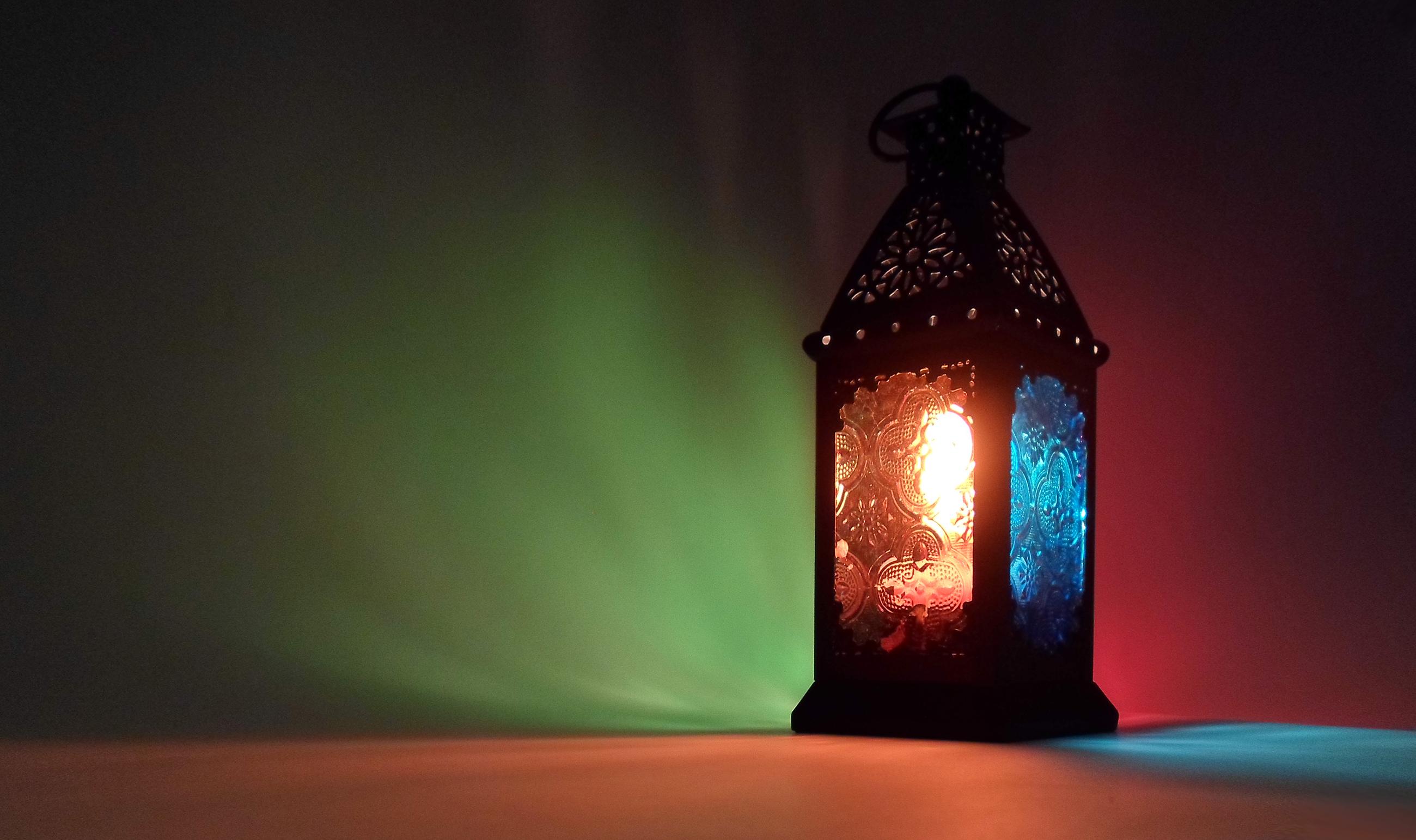 افطار را با کمک به مستمندی سحر میکنیم؟