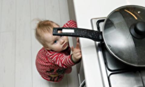 کمکهای اولیه برای سوختگی در کودکان و نوزادان
