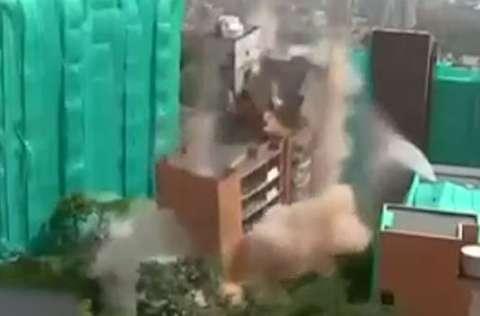 تخریب 100 درصدی ساختمان عظیم در 5 ثانیه