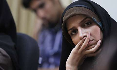 اشکهای مجری زن تلویزیون وقتی یک زن و شوهر درد و تنهاییهایشان را جلوی دوربین فریاد زدند