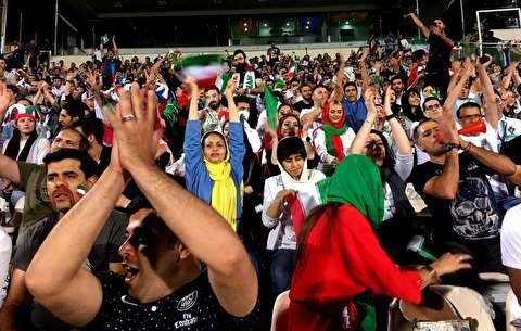 لحظات حضور و پخش ایران-اسپانیا در آزادی