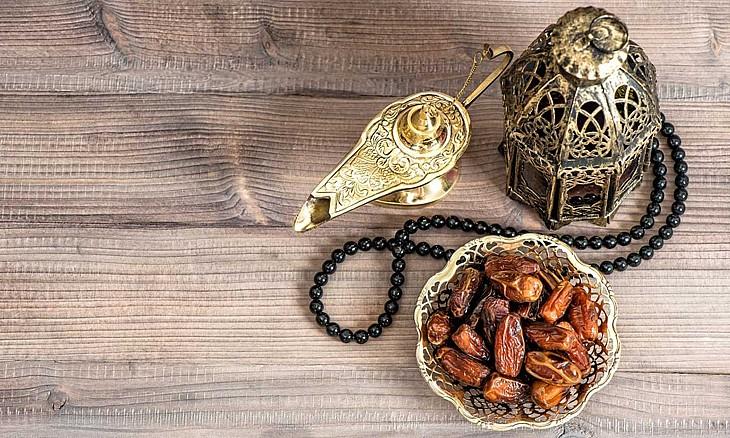از نوای اذان و دعای افطار تا جز دهم قرآن