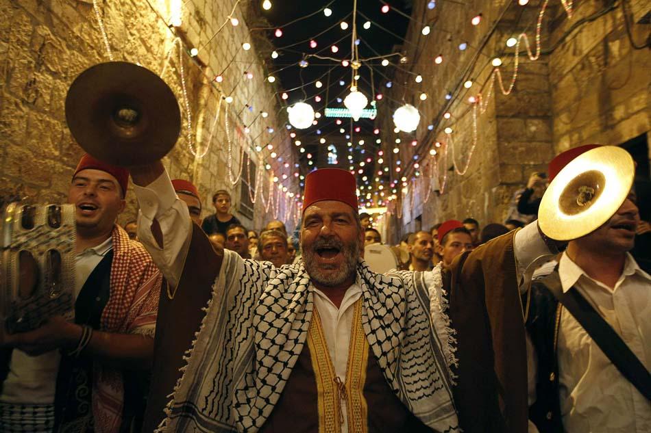 همه کشورهای اسلامی رمضان را جشن میگیرند به جز تلویزیون و دستگاههای دولتی ایران!