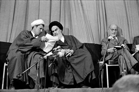 جلسه شورای انقلاب اسلامی در جماران