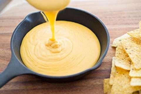 طرز تهیه سس پنیری برای ناچو