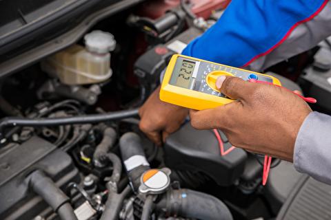 روش تشخیص خرابی باتری و دینام خودرو
