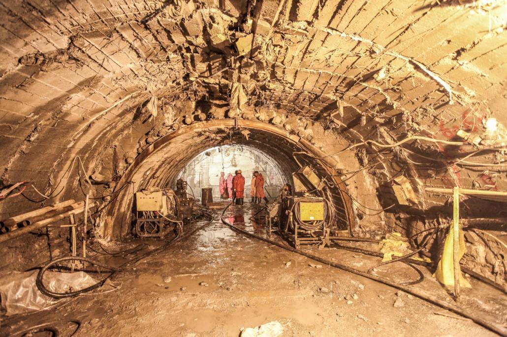 بریدن شاهرگ حیات کارون با تونل سوم کوهرنگ؛ رگ زنی ادامه دارد!
