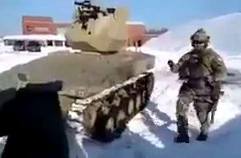 گرفتن گلوله با دست توسط کماندو روس!
