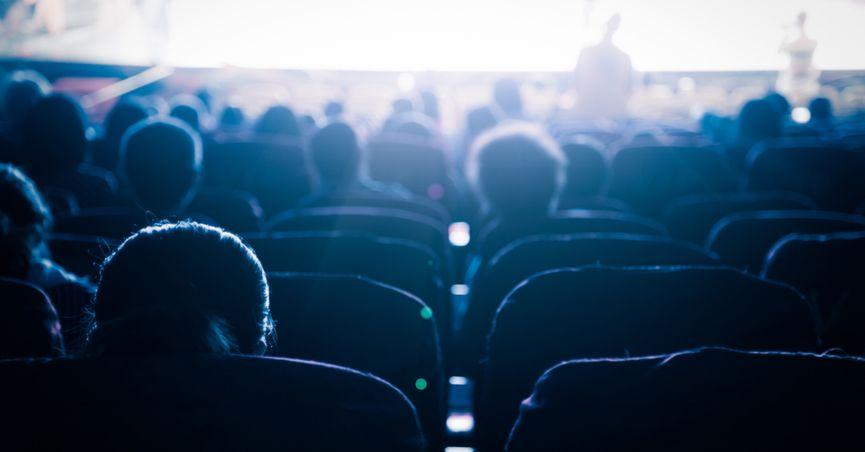 به جای لغو جشن خانه سینما، بلیت سینماها را ارزان کنید