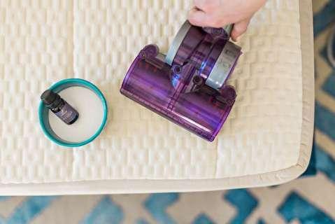 روش تمیز کردن تشک