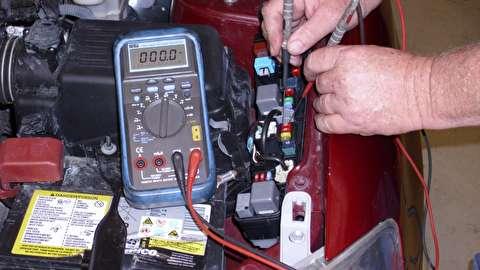 چرا باتری برخی خودروها دائم خالی میشود؟
