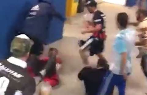 کتک خوردن هوادار کروات توسط آرژانتینیها