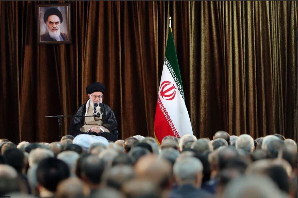 دیدار مسئولان و سفرای وزارت خارجه با رهبر انقلاب
