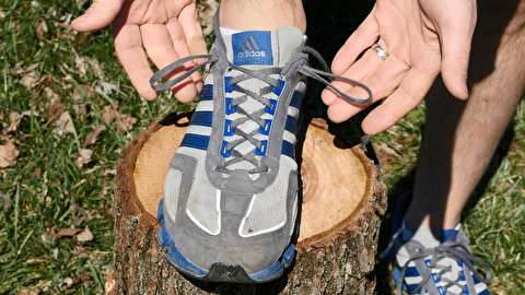 سوراخ بند اضافی کفش کتانی چه کاربردی دارد؟