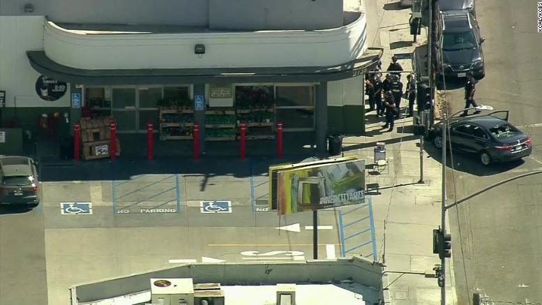 محاصره پلیسی یک فروشگاه در «هالیوود»
