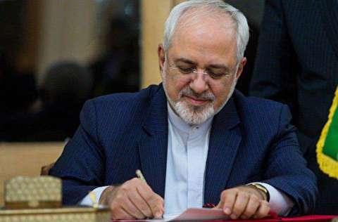 ظریف: آمریکا بین فشار و گفتگو یکی را انتخاب کند